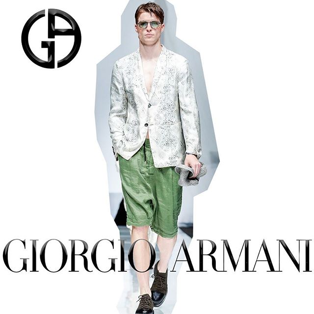 @jonas.kowalski walking in the @giorgioarmani