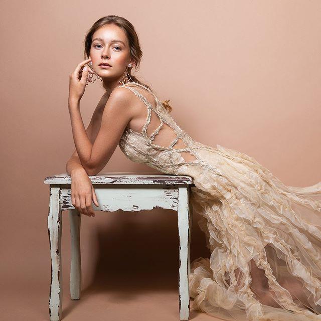 Beautiful @lena.plnk in a beautiful dress ✨🌷
